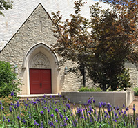 Neu Chapel and flowers